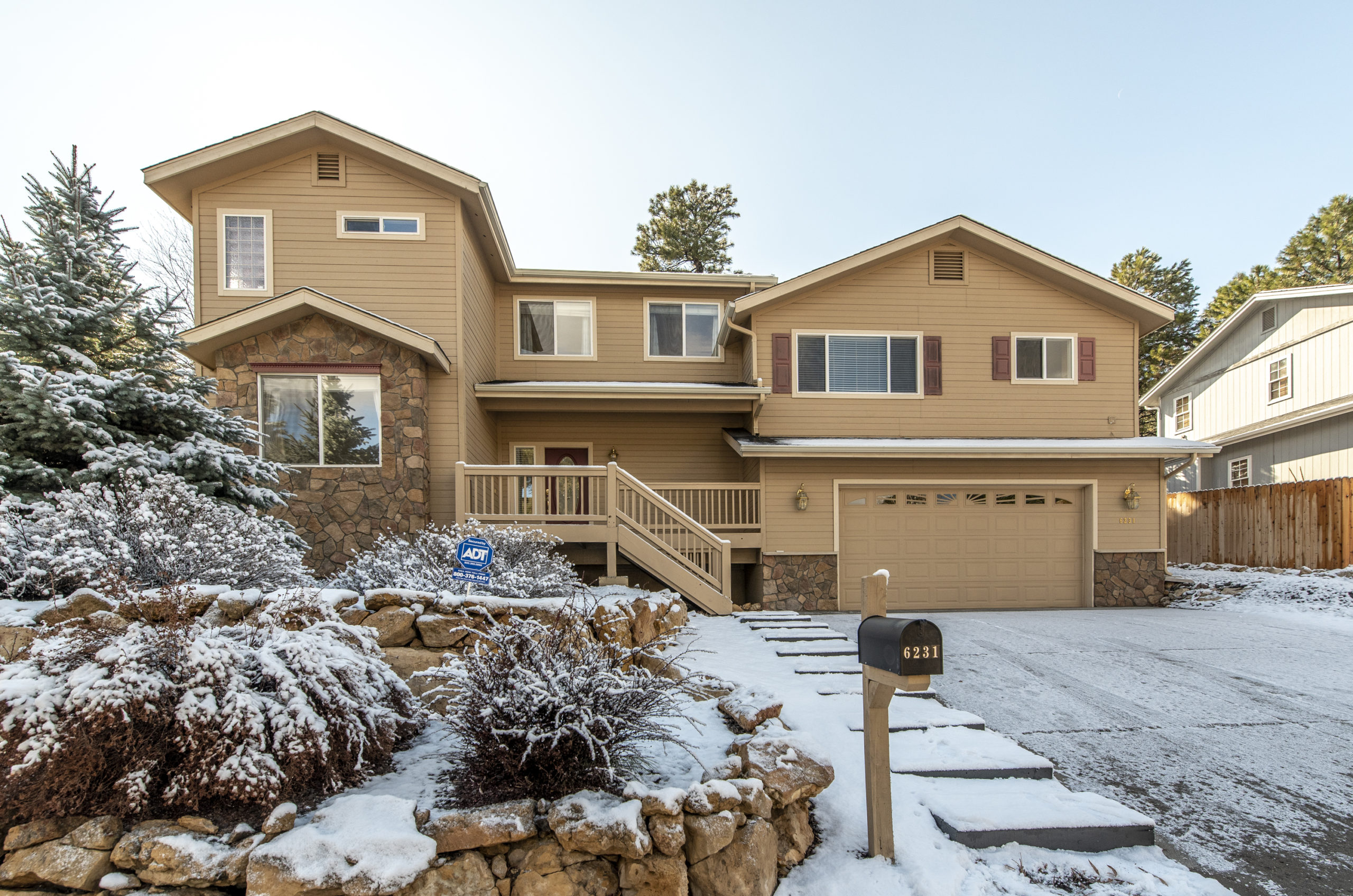6231 E Abineau Canyon Dr. – Sold!