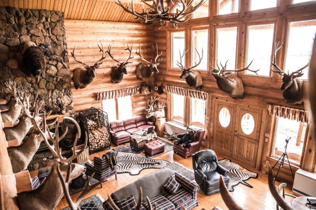 Harteis Ranch Lodge Interior-2