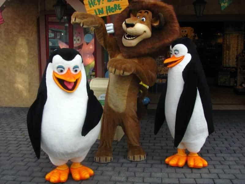 Pinguins e Alex de Madagascar Universal Orlando