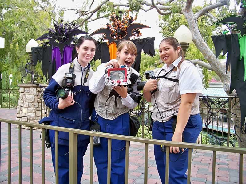 cast members photopass no halloween