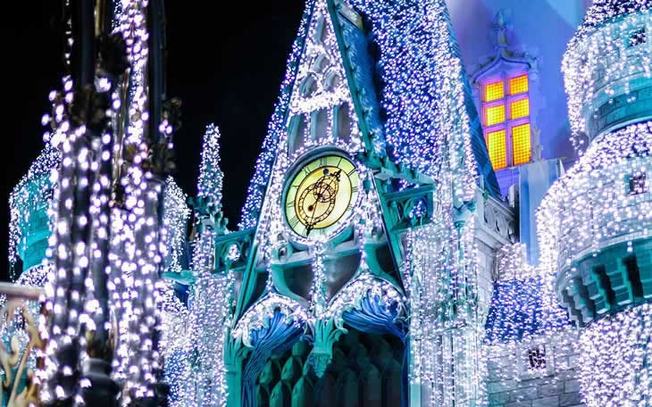 castelo da cinderela iluminado no natal