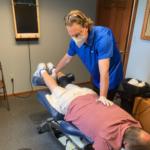 Dr.Kroener applying flexion distraction