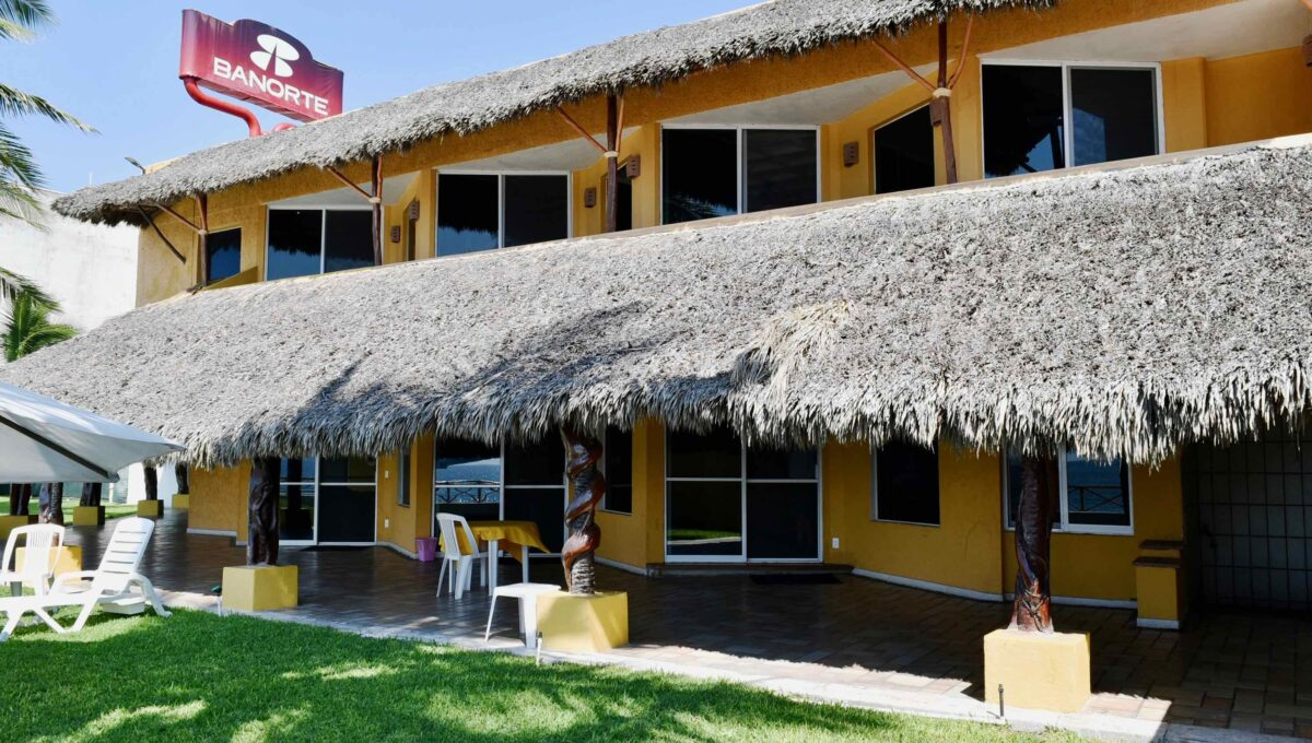 253 Casa Playa Boulevard frente a Sams - 29