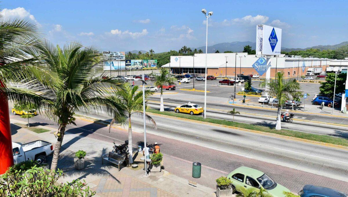 253 Casa Playa Boulevard frente a Sams - 75