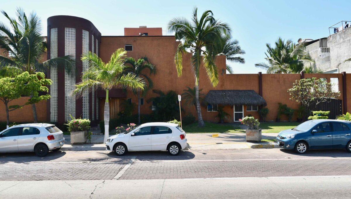253 Casa Playa Boulevard frente a Sams - 84