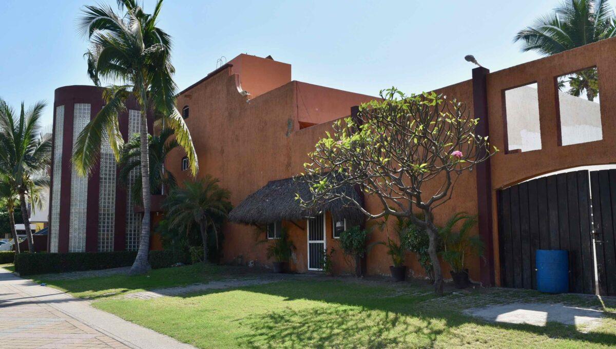 253 Casa Playa Boulevard frente a Sams - 89