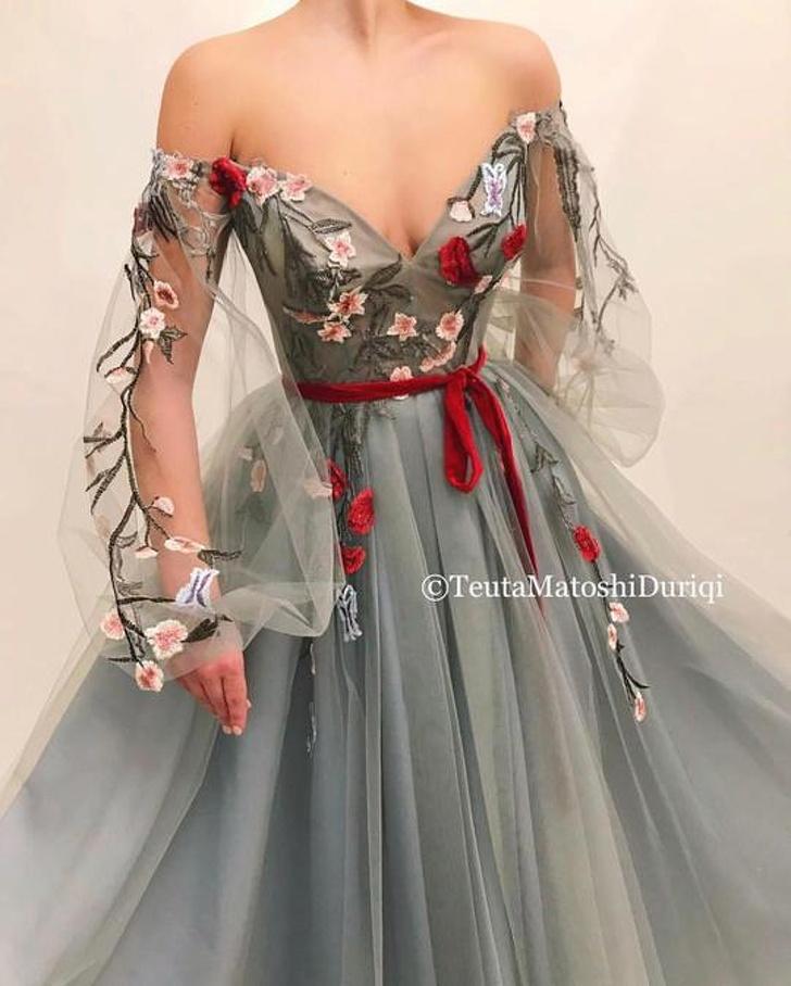 Дизайнер прави рокли, които са толкова красиви Всяка жена може да иска да продаде душата си за един от тях