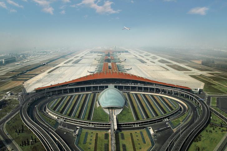 16 зашеметяващи летища по целия свят, които бихме искали да останем завинаги