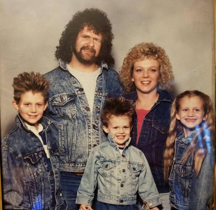 15+ неудобни снимки от семейни фотоалбуми, които ни разсмяха