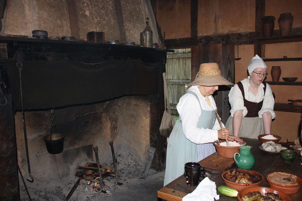 Jamestown Settlement Museum Jamestown VA Jamestown Fort Baking Demonstration