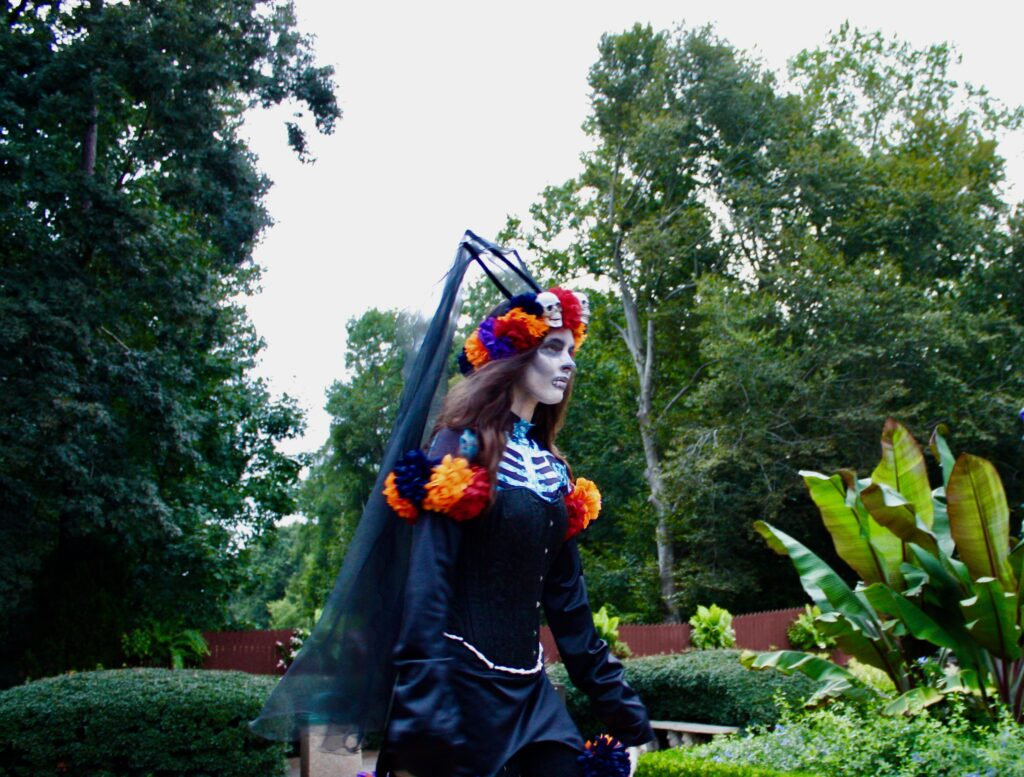 Busch Gardens Williamsburg Scare Zone Italy Scary Performer Halloween