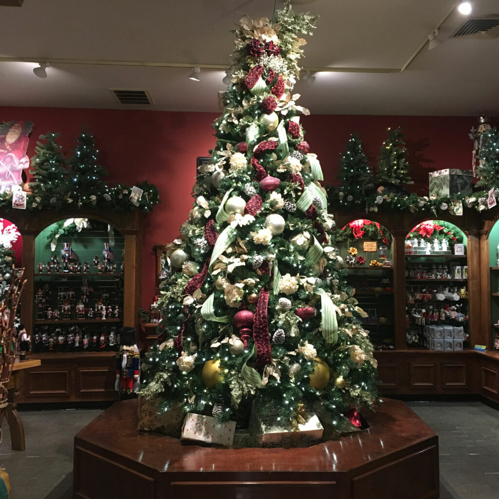 Busch Gardens Williamsburg Christmas Town Germany Gifts