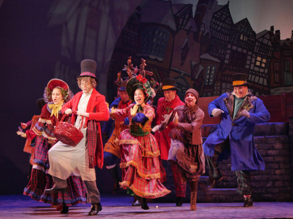 Busch Gardens Williamsburg Christmas Town Scrooge No More Globe Theater