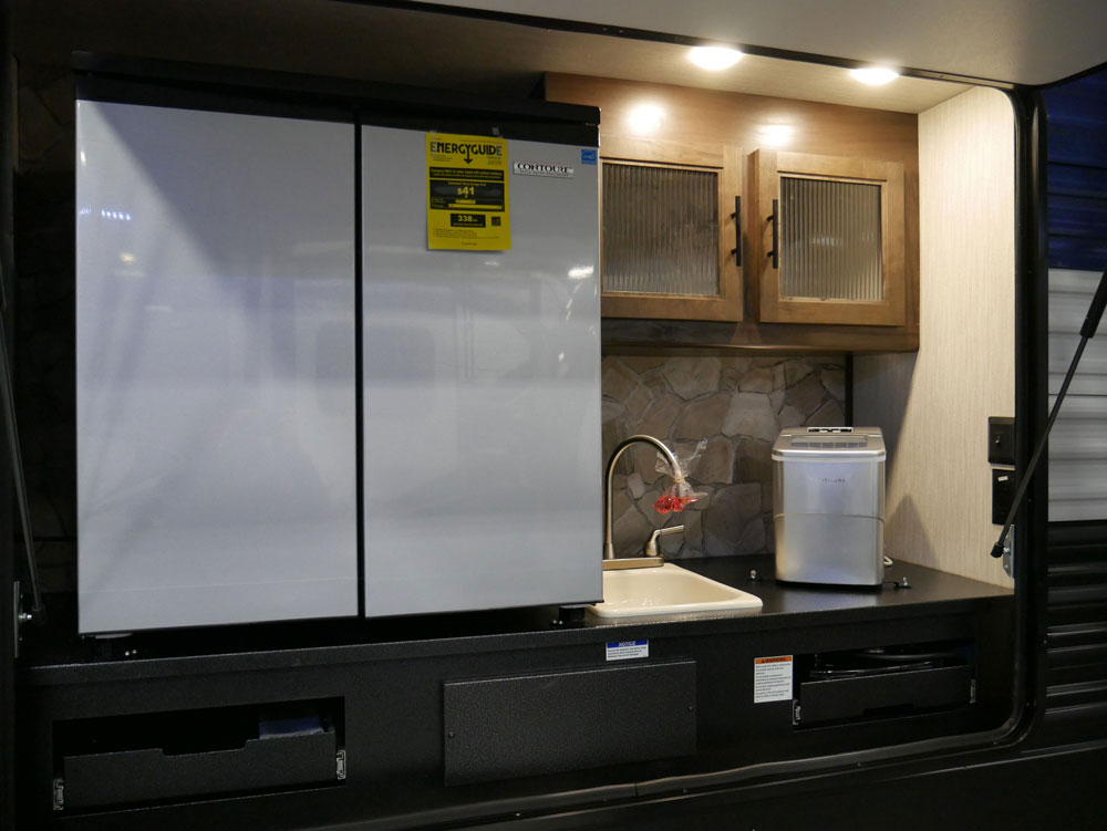 RV Outdoor Kitchen Large Fridge and Ice Maker Tidewater RV Show 2020