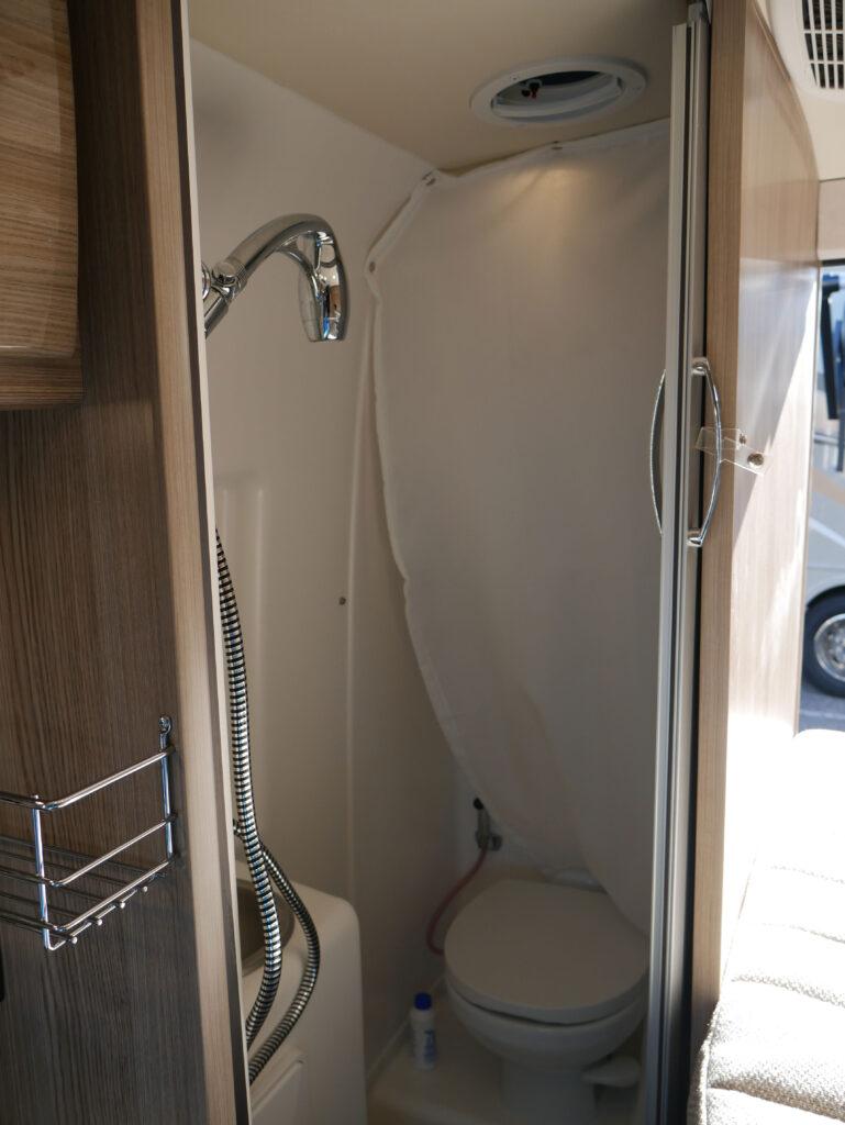 RV Camper Wet Bath Shower Curtain  On Display At Richmond RV Show 2020