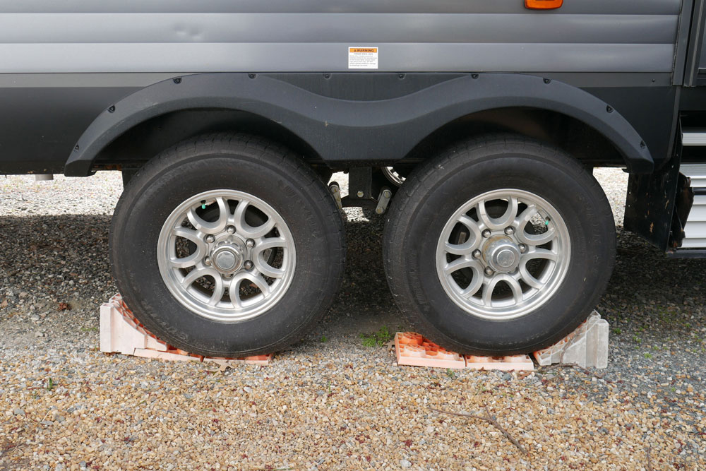 RV Chocks and Blocks