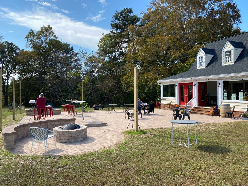 SummerWind Winery Outdoor Seating Area
