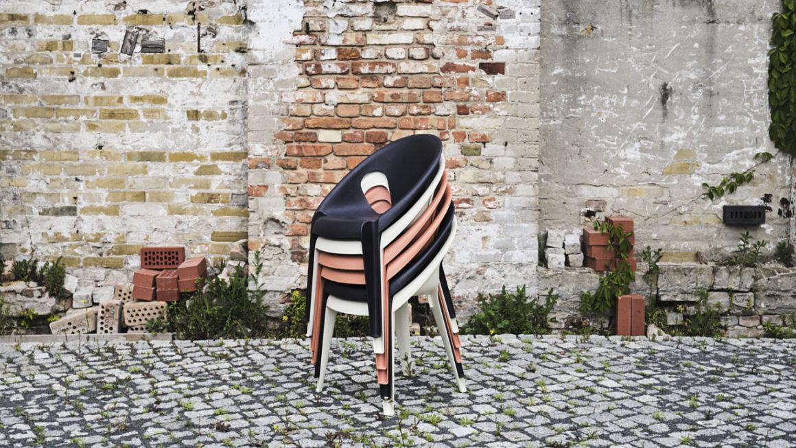Konstantin Grcic projeta cadeira com plástico 100% reciclado para Magis