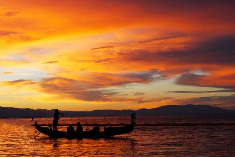 Sunset Cruise Lake Tahoe   Gondola Ride in Lake Tahoe