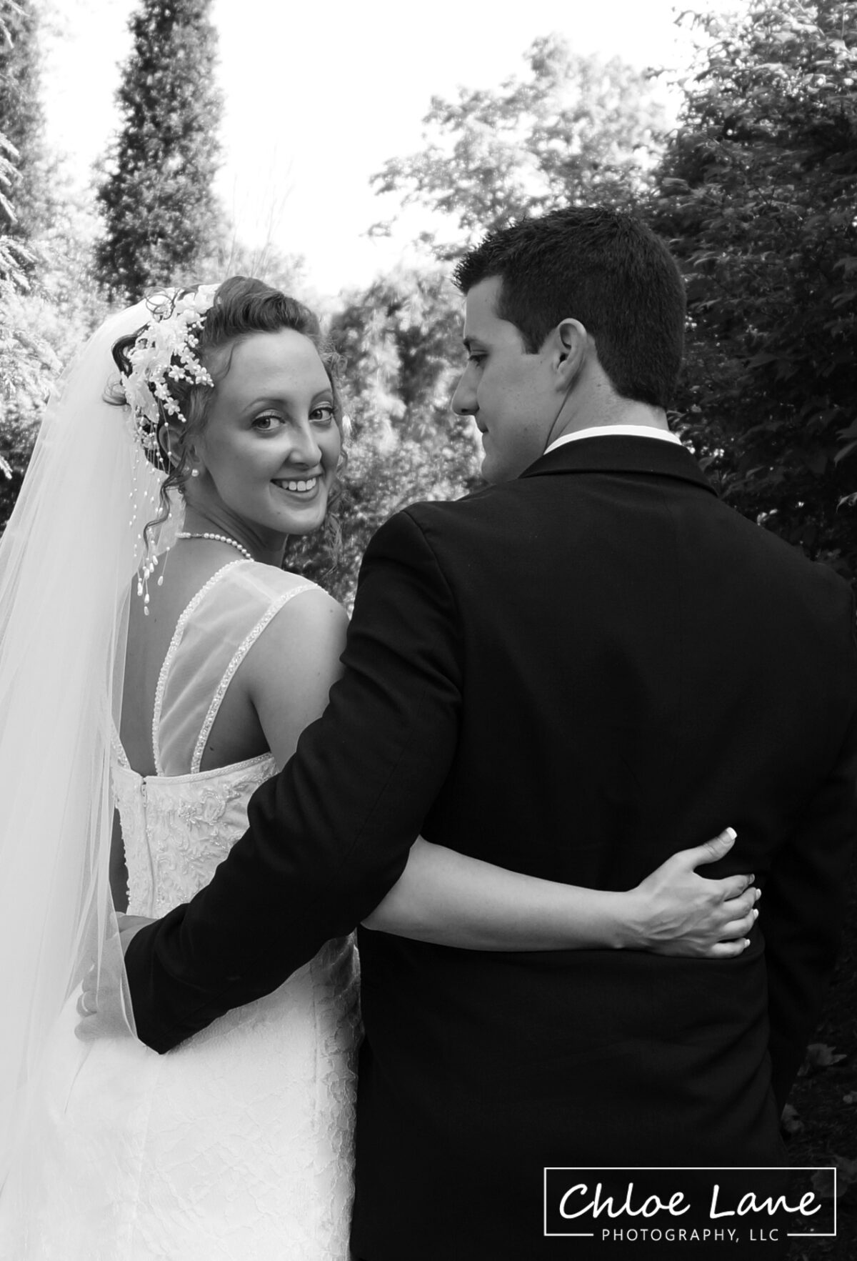 bride-anda-groom-black-white-garden-greensburg-pennsylvania-wedding by Chloe Lane Photography Latrobe and Greensburg