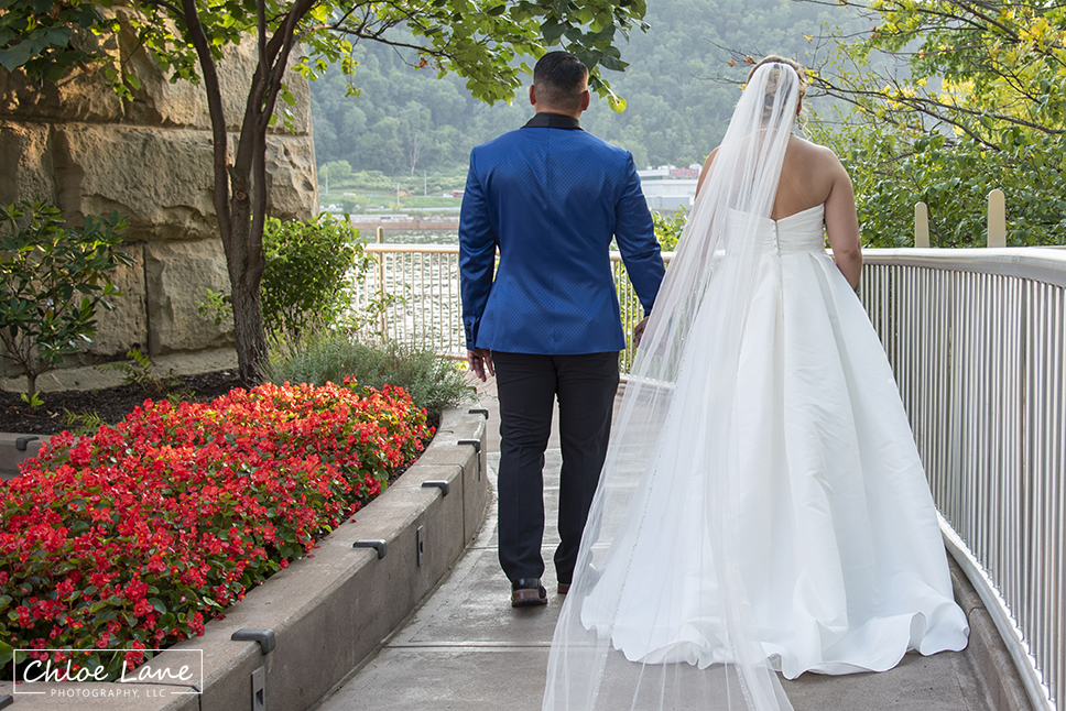wedding photo from North Shore Pittsburgh PA near Heinz Field and Fred Rogers Statue