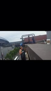 Rooftop smoochin'