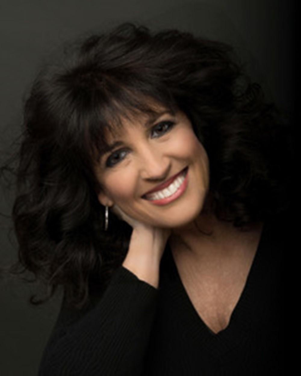 Tina Mollis