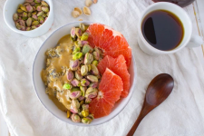 oatmeal with grapefruit and pistachios