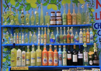 Sorrento vendor of lemon and limoncello bottles.