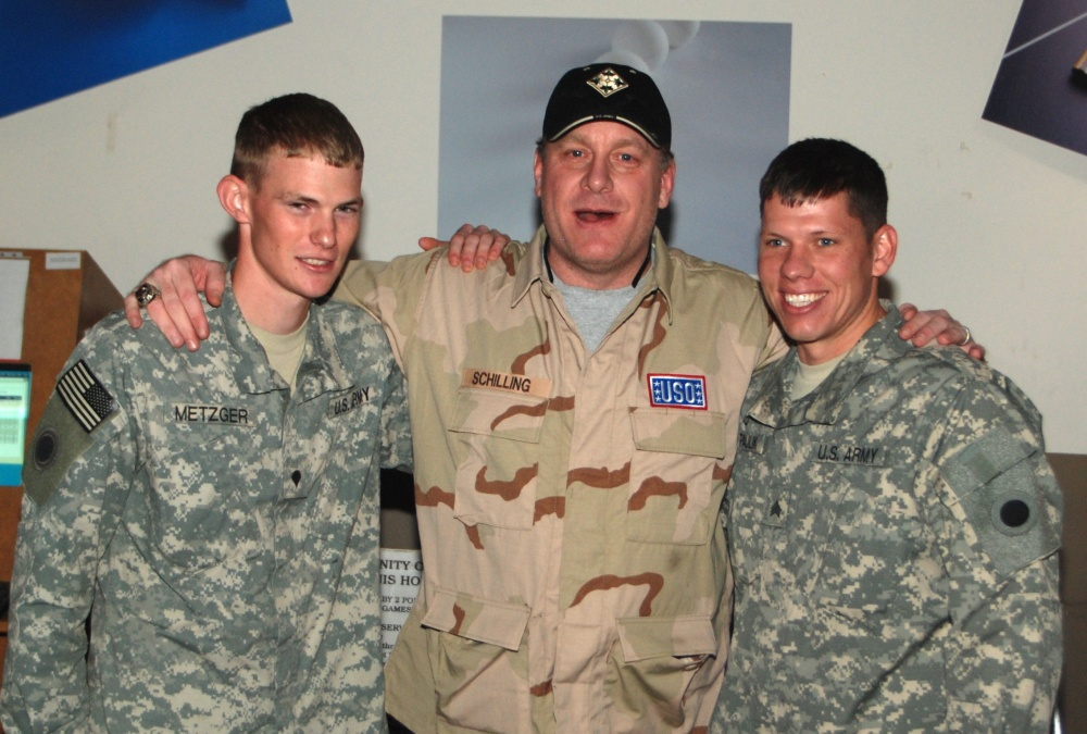 Cy Young winner Curt Schilling visits U.S. troops in Iraq and Kuwait