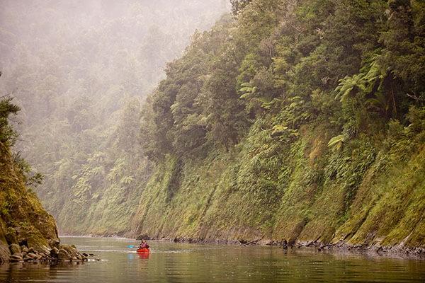 2 Canoeing Whanganui River