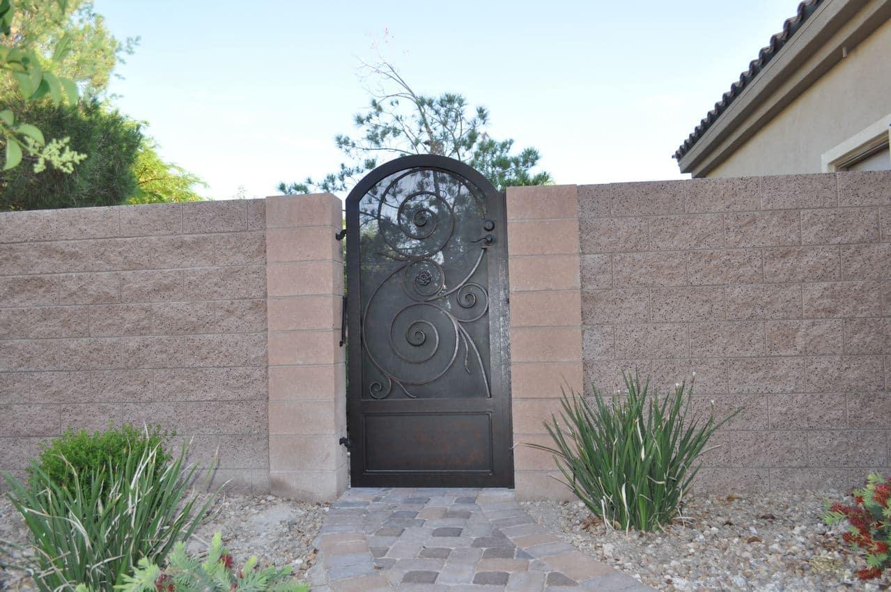 Iron Side Gate 21