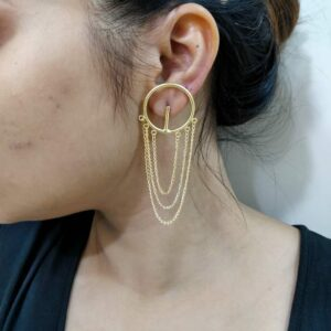 Goldplated Circular Earrings with Delicate Chain Hangings Body