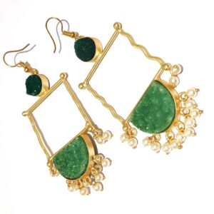 Green Drusy Golden Frame Fashion Earring with Pearl Fringe Close