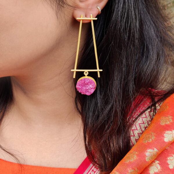Minimal Fashion Earrings Red Druzy Hanging with Gold Plating Body