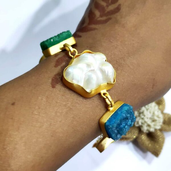 Blue and Green Druzy and Baroque Pearl Loose Bracelet on Hand