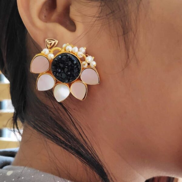 Lotus Stud Fashion Earring with Druzy and Shell Pearl Black Ear