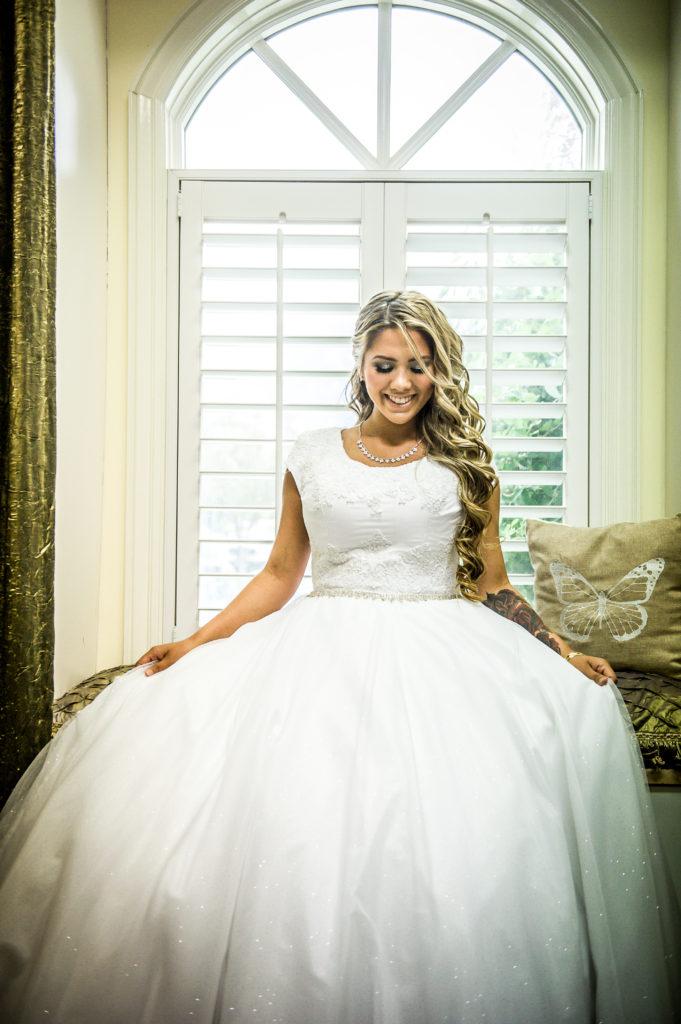 bride in her dress Ryan hender photography le garden wedding venue sandy utah