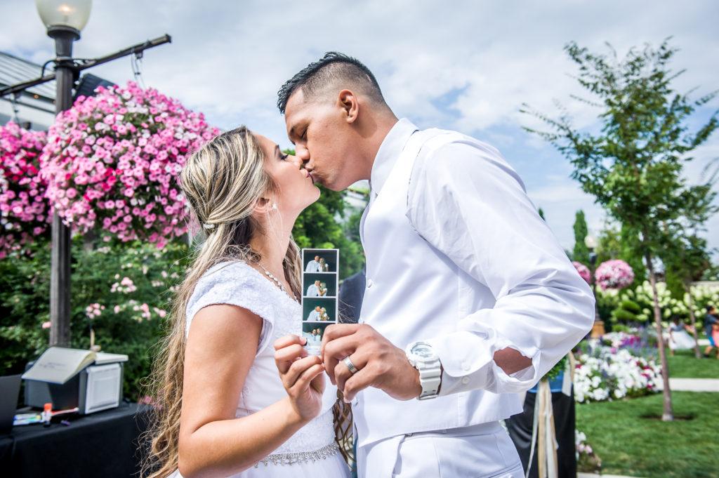 bride and groom le garden wedding venue sandy utah