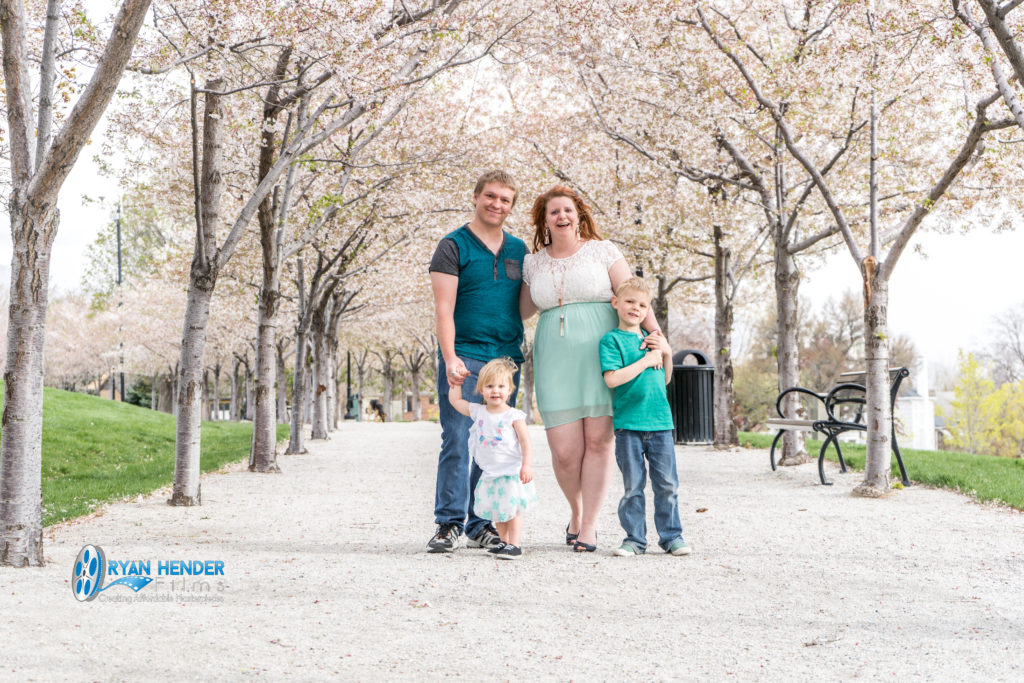 photo shoot utah state capitol josh and Melissa family