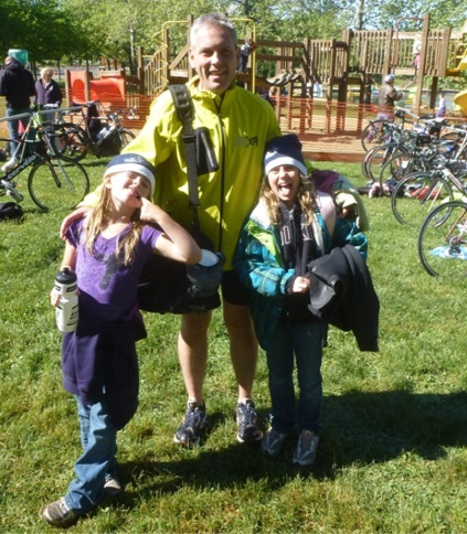 Mike Williams and daughters at the Clays Park Tri