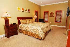 lower level-left front-King bedroom suite