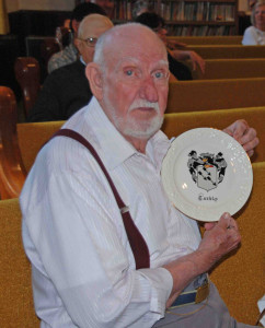 Robert Rice, oldest descendant at 2013 reunion, receiving Corbly plate