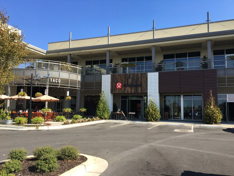 lululemon athletica exterior entrance from shopping center