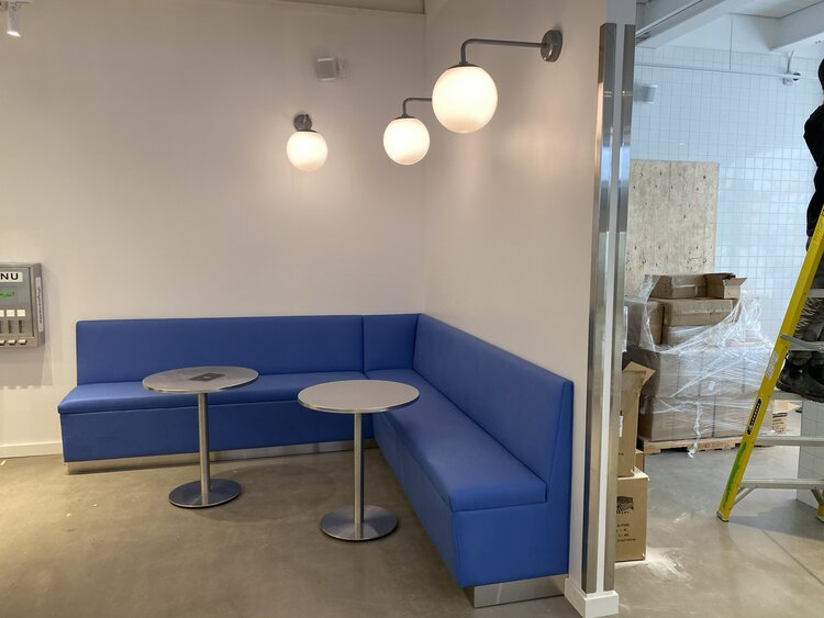 Superette interior seating