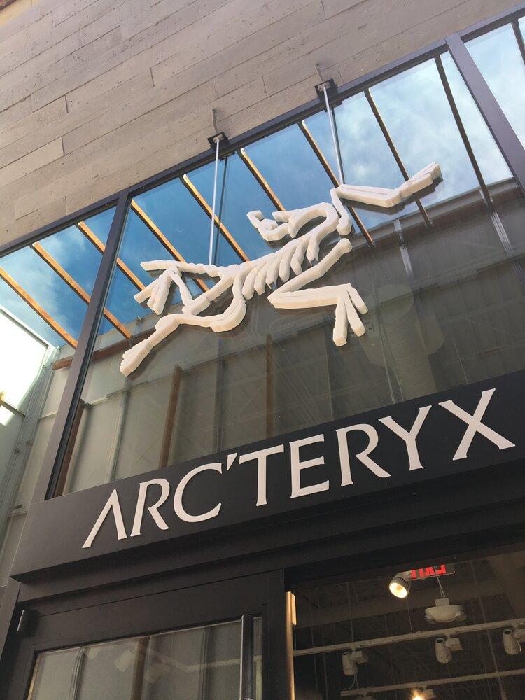 Arc'Teryx fossil logo