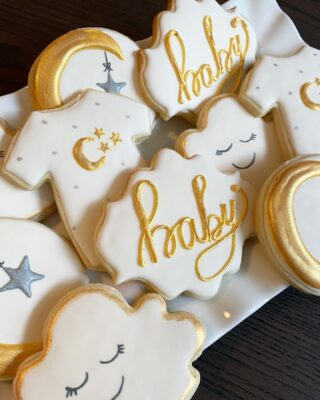 These beauties were inspired by a few cookie artists sent by the client. 💫🌙✨  Please tag if you know who they are 💗  #cookiedecorating #customcookies #timeforcookies #sugarcookies #sugarcookiedecorating #cookiesthatinspire #cookieideas #cookieart #royalicingcookies #cookier #instacookies #partycookies #cookieoftheday #cookielove #cookieboss #cookiegram #virginiabaker #novabaker #novamom #dmvfoodie #virginiabakery #virginiabakers #dmvfoodie #fairfaxva #fairfaxvirginia #northernvirginia #dcsmallbusiness #dcfood