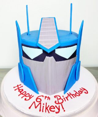 Transformers cake for one cool kid! 🌟