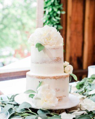 Peonies make the most beautiful wedding cake toppers 🤍 How gorgeous are these?  📷 @brooke_danielle_photography . . .  #weddingcake #Ido #dcweddings #dcwedding #dcbride #virginiawedding  #buttercreamlove #buttercreamdesign #BakerLife #cakesdaily #floralcake #howtocakeit #cakesinstyle #cakeinspo #buttercreamfrosting #buttercreamcakes #cakesofinstagram #cakedesign #baking #floralwedding #cakedecorators #buzzfeedfood #cakegram #thebakefeed #sweettooth #instacake #instabakes #instabakers #stylishcakes #Cakedealer