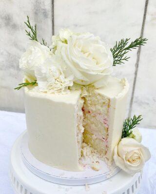 So dreamy🤍 . . .  #weddingcake #Ido #dcweddings #dcwedding #dcbride #virginiawedding  #buttercreamlove #buttercreamdesign #BakerLife #cakesdaily #floralcake #howtocakeit #cakesinstyle #cakeinspo #buttercreamfrosting #buttercreamcakes #cakesofinstagram #cakedesign #baking #floralwedding #cakedecorators #buzzfeedfood #cakegram #thebakefeed #sweettooth #instacake #instabakes #instabakers #stylishcakes #Cakedealer